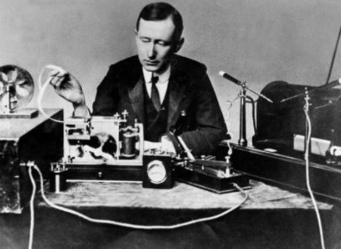 """Accadde oggi, 2 Luglio: Marconi brevetta nella """"sua"""" Inghilterra, la """"sua"""" radio!"""