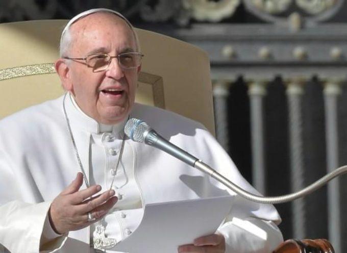 """Papa Francesco: """"Puro scandalo che le donne guadagnino meno degli uomini""""    E Capannori risponde subito!"""