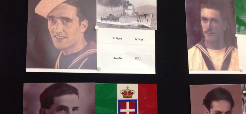 Tanto interesse per la Mostra fotografica dei Marinai della Valle del Serchio, alla Festa del 1° maggio di Fornaci di Barga