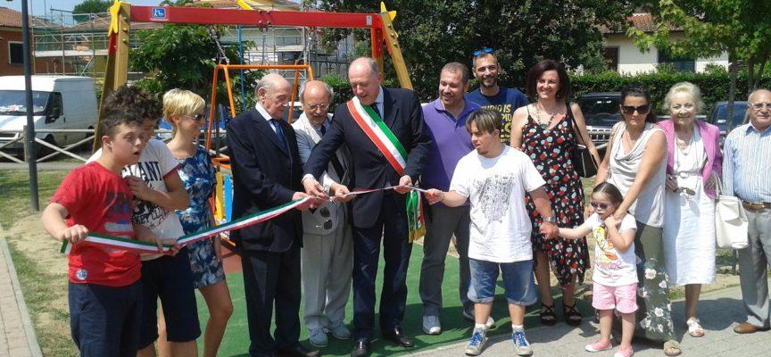 """Lucca accessibile: """"Giochiamo tutti insieme"""" raddoppia con un'altra altalena"""
