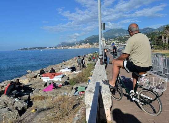 20 Giugno, Giornata Mondiale del Rifugiato…sugli scogli di Ventimiglia!