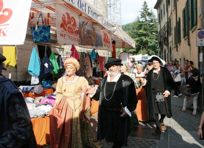 Migliaia di persone a Castelnuovo per la festa dei Santi Patroni Pietro e Paolo