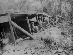 foto_016_luglio_1915_carabinieri_in-trincea_sul_monte_podgora