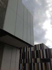 ospedale nubi grigie