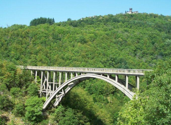 Lo storico Ponte Vergai a Villa Collemandina sarà illuminato e consolidato