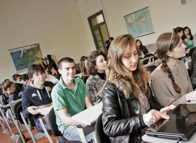 Lavorare nel Turismo  Giovedì 16 luglio l'ultimo appuntamento dell'anno dedicato all'orientamento  Campus aperto a tutti i neo diplomati che devono scegliere l'università