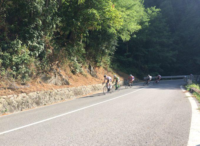 La classica Firenze-Mare al ciclista lombardo Alfio Locatelli