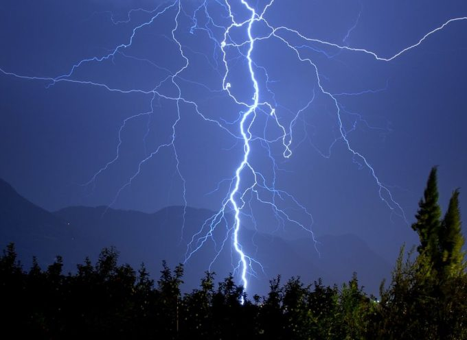 Maltempo, torna l'allerta meteo: un lunedì di pioggia e temporali
