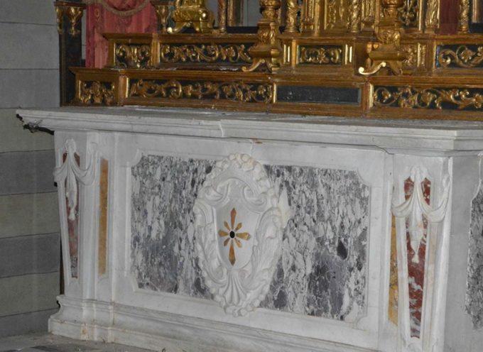 L'Altare non si tocca e non si sposta