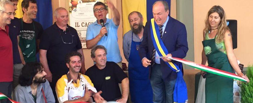 """Invasione pacifica a Castelnuovo per """"Il Cacio"""" Tutti Pazzi per il Formaggio"""""""