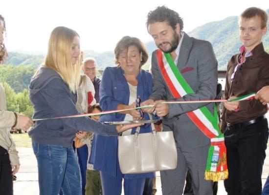 A Borgo a Mozzano inaugurata la sala d'attesa della stazione ferroviaria rimessa a nuovo