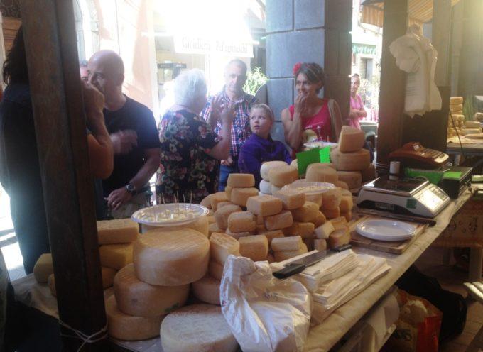 Premiati i migliori produttori locali di Formaggio a Castelnuovo