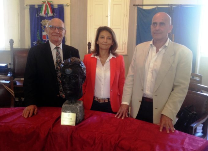Donato dai Lucchesi nel mondo il busto di Puccini a Bagni di Lucca
