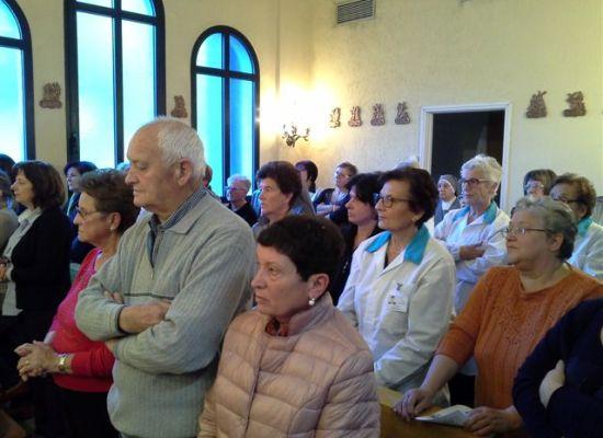 """Grande partecipazione alla Messa in suffragio di Don Moni e al saluto alle Suore da 100 anni all'ospedale """"S.Croce"""""""