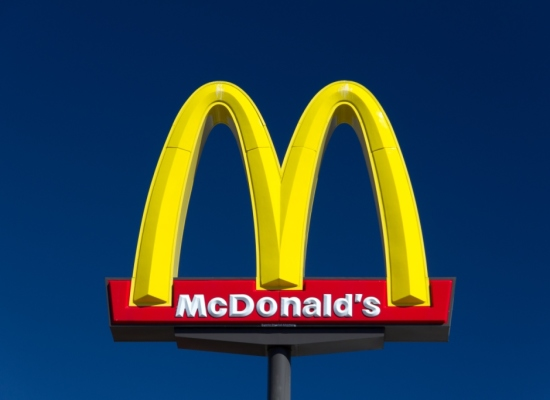 Francia. Insalate di McDonald contaminate da listeria in dozzine di ristoranti.