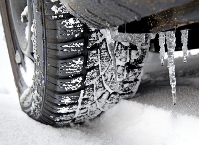 Da oggi, obbligo di catene a bordo o pneumatici invernali sulle strade statali toscane maggiormente esposte al rischio di precipitazioni nevose o formazione di ghiaccio.