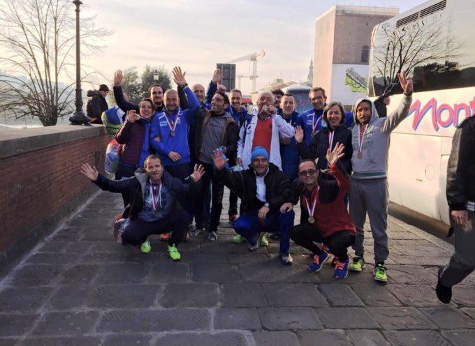 L'azzurro del G.S. Orecchiella colora Firenze per la 32° Maratona