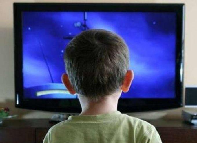 TROPPA TV RALLENTA LE FUNZIONI CELEBRALI DA ADULTI