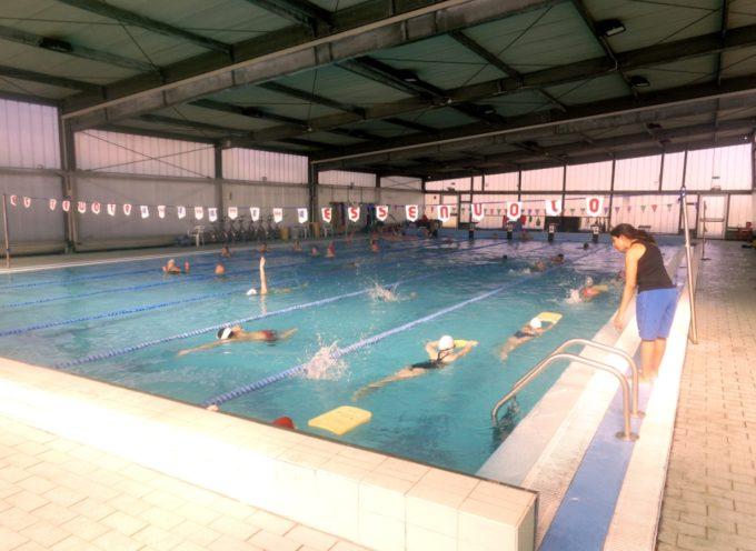 Partita a pieno ritmo la piscina di Gallicano