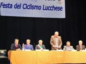Gianfranco Battaglia e il tavolo della presidenza