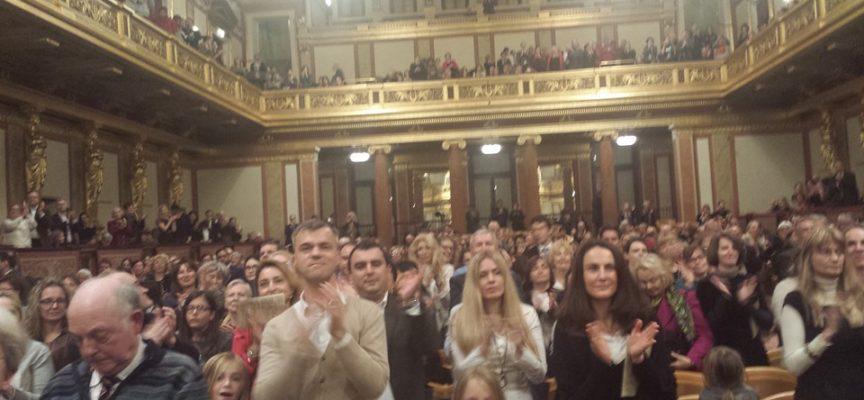 """L'Orchestra Filarmonica di Lucca trionfa al Musikverein di Vienna: standing ovation per """"Puccini e i suoi tre tenori"""""""