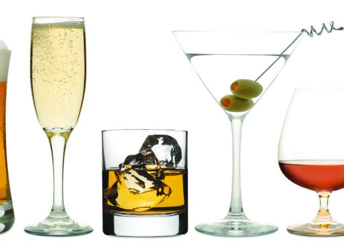 Stop all'uso di bevande alcoliche nei parchi pubblici e nelle aree a gioco dedicate ai bambini