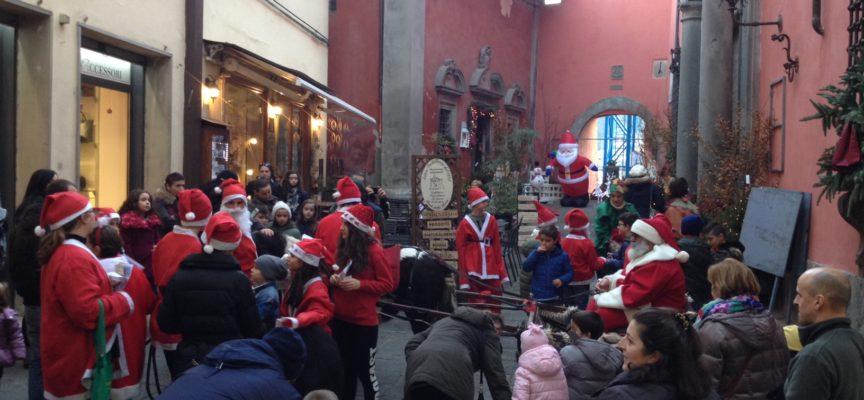 Rush finale per lo shopping natalizio a Castelnuovo