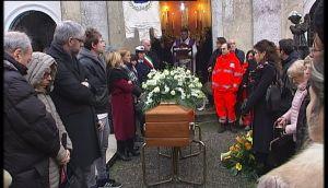 funerale guelfo marcucci.avi.Immagine003