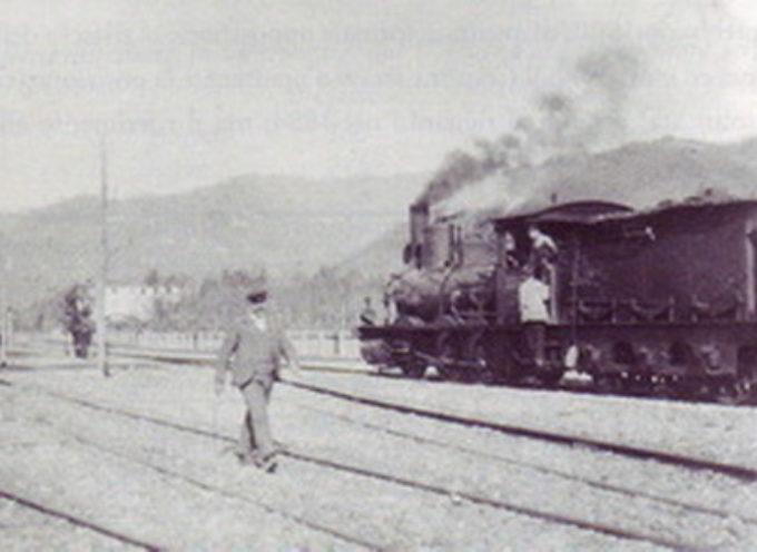 Lucca Aulla un treno bloccato sul ponte tra Ponte a Moriano e il Piaggione è solo l'ultima vergogna delle ferrovie e della politica.