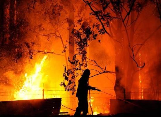 grosso incendio sul monte matanna
