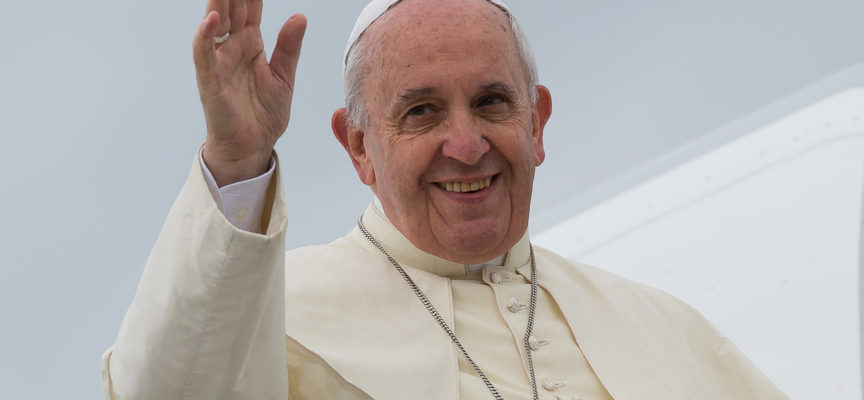 """Unioni Civili, Papa Francesco: """"Non fare confusione"""