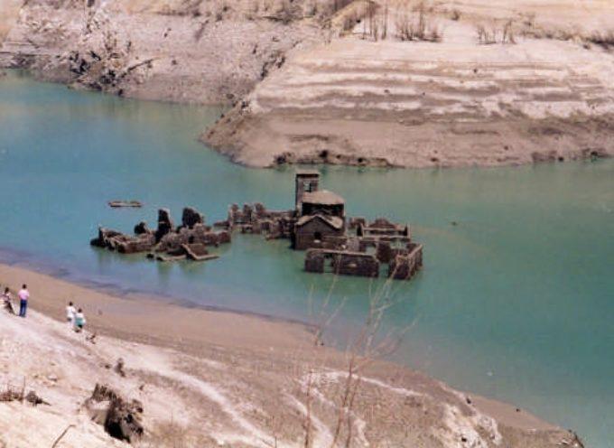 Quel lago di Vagli s'ha da svuotare nel 2021. O no ?