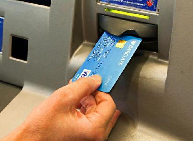 Stop alle truffe al bancomat: la sentenza. Chi rimborsa se vi rubano il Pin