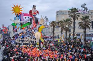 CARRO del Carnevale di Viareggio 2016 52 sfumature di Carnevale di Massimo Breschi