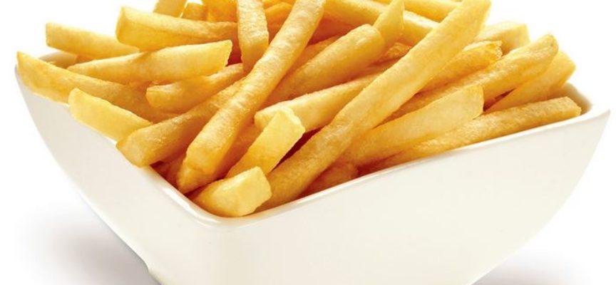 Mangiare troppe patatine aumenta il rischio di tumore