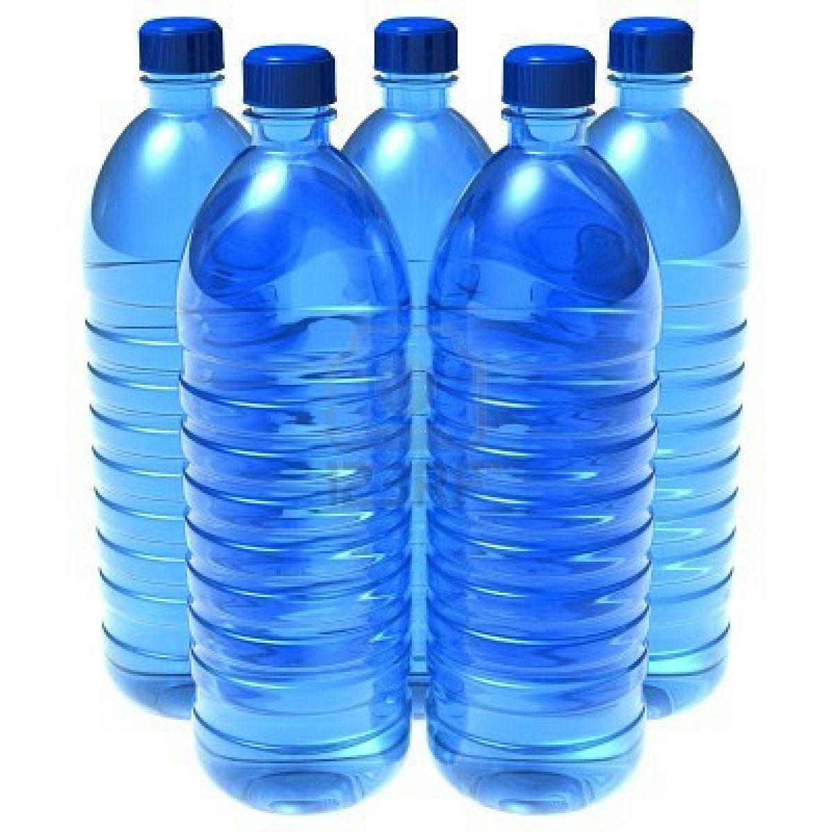 Bevi l acqua in bottiglie di plastica ecco cosa devi for Serbatoio di acqua calda in plastica