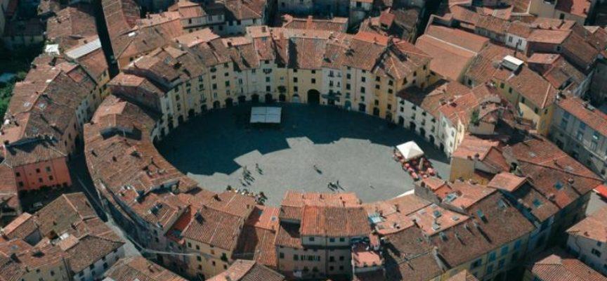 Lucca, una Capitale, di francesco Colucci
