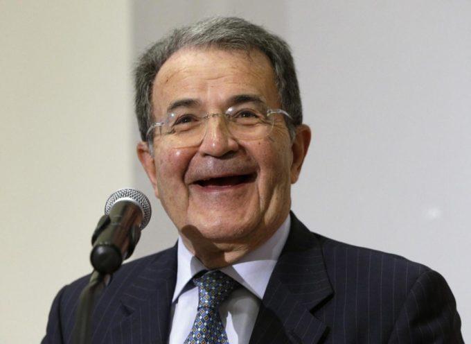 """Romano Prodi lancia l'allarme sull'economia: """"Siamo in emergenza, serve un vertice internazionale"""""""