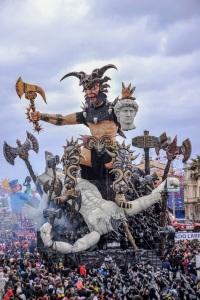Barbarians di Fabrizio Galli Carnevale di Viareggio 2016