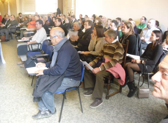 PUBBLICO RECORD A PALAZZO SANI PER IL CONVEGNO DI CONFCOMMERCIO