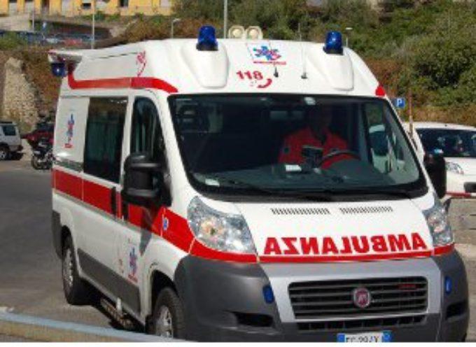 MASSAROSA – Malore mentre era alla guida, donna in codice rosso al Versilia