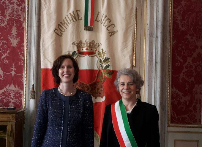 Il Console Americano Abigail M.Rupp in visita al Comune di Lucca