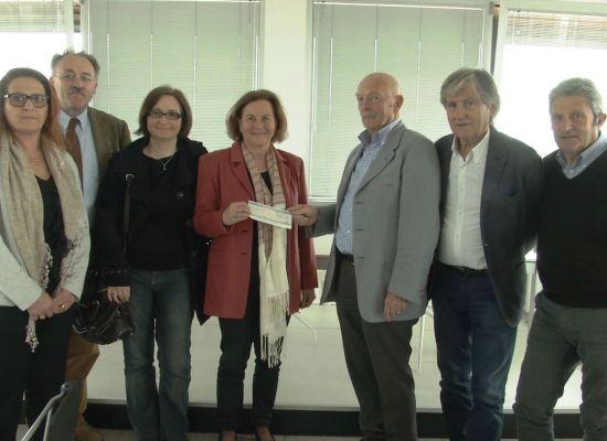 LA CNA PENSIONATI DONA 5000 EURO AL CENTRO MIELOLESI DI CISANELLO