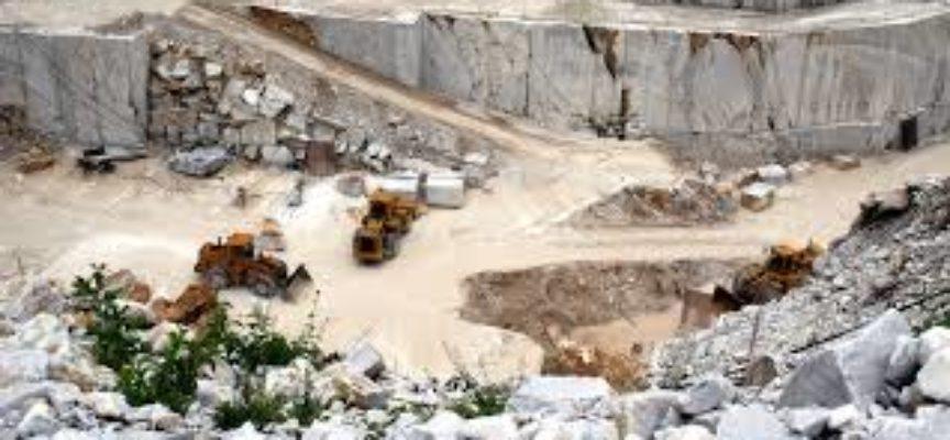 Posa della prima pietra per la nuova segheria del marmo