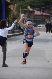 la gioia di Petrucci alla vittoria del Capraia Wild Trail 2016