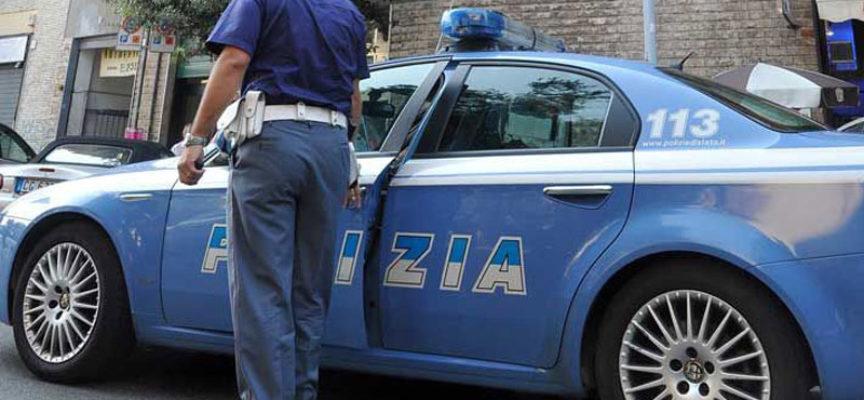 La polizia sorprende 5 taccheggiatrici, E ARRESTA UNA RAGAZZA ITALIANA