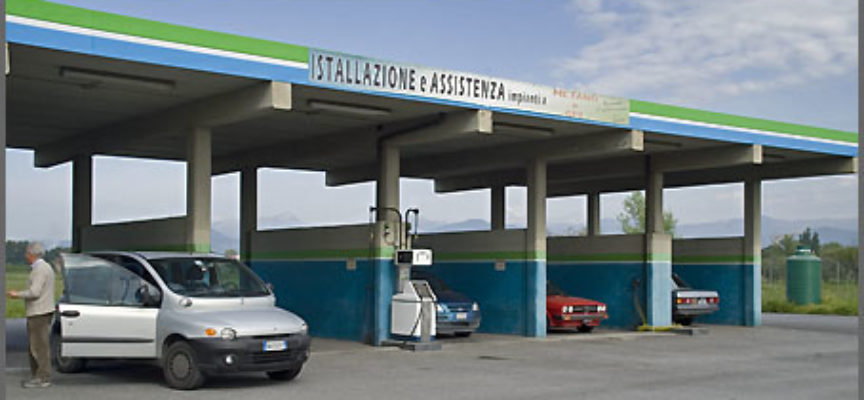 Capannori, raid dei ladri al distributore di metano