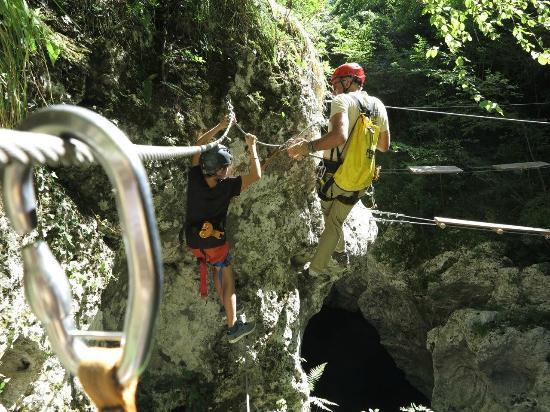 Il percorso di canyon park in tutti i suoi passaggi video - Canyon park parco avventura bagni di lucca lu ...