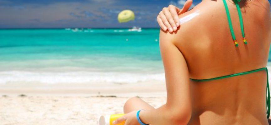 Estate: rischi per la salute derivanti dall'esposizione al sole non solo in spiaggia, ma anche in auto.