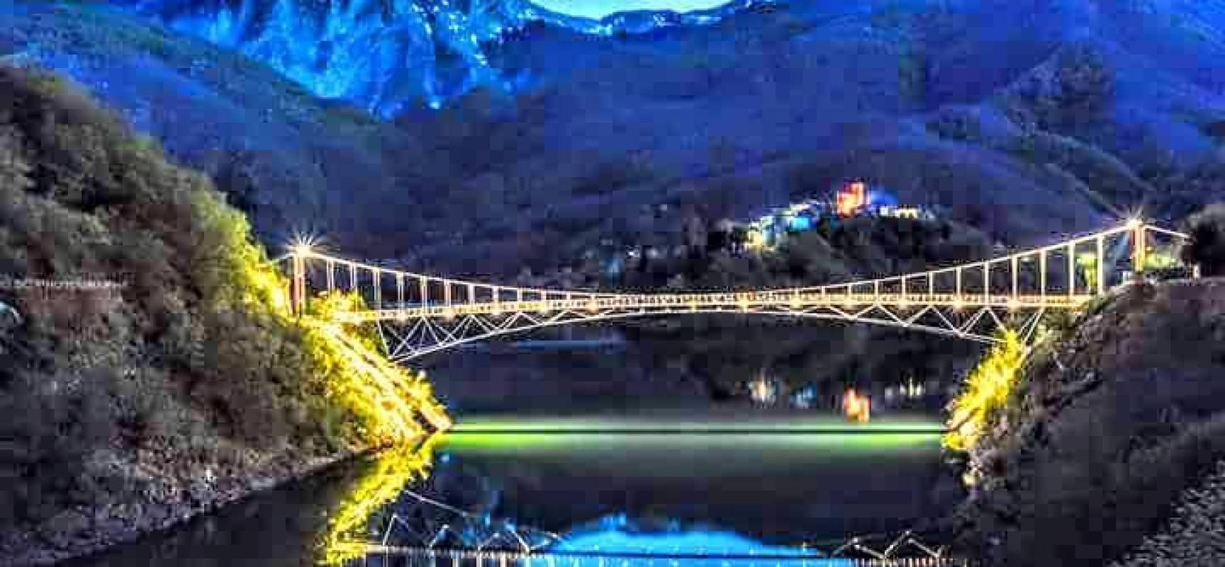 Vagli si inaugura il ponte sospeso ottava meraviglia for Ponte del secondo piano